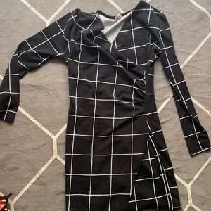 Hey guy I buy the dress for modelling shooting and that I can't use too much tim
